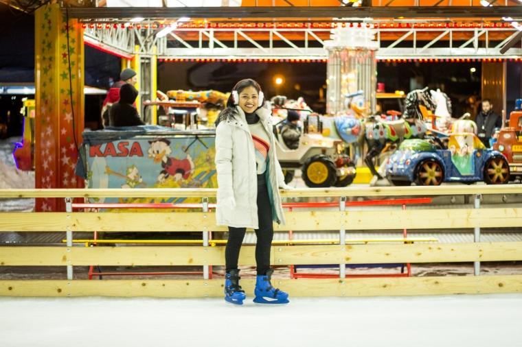 En la pista de patinaje.